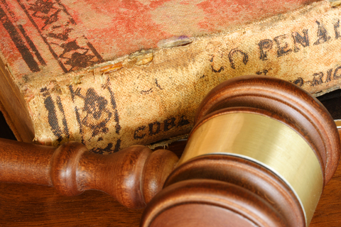 Mahkemelerde avukatlık